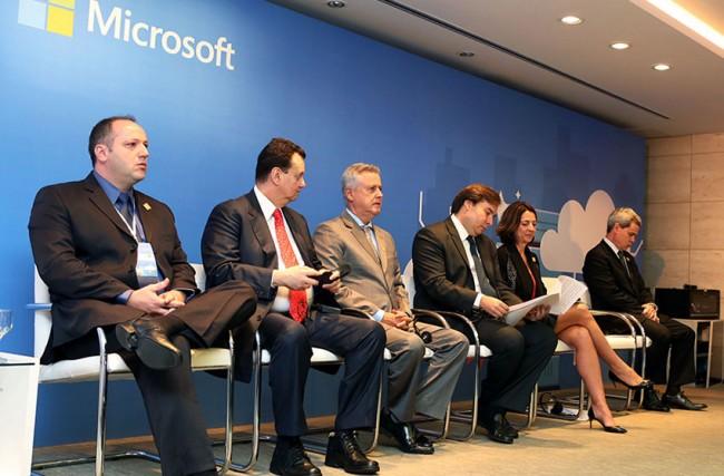Fim do Software Livre no Governo Brasileiro e compra de produtos da Microsoft